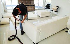 limpeza de sofa em curitiba